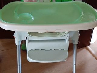 Se vinde masa/scaun Chicco pentru bebelusi in stare foarte buna