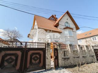 Chirie casă în 3 nivele, euroreparație, regiune liniștită, Buiucani, 2500 €