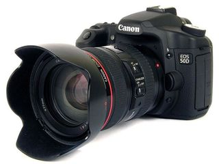 Canon EOS 50D Body + Canon EF 24-105mm f/4L IS USM