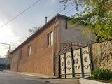 Casa de locuit + spatiul nelocativ in centrul m.orhei