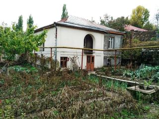 Teren 6 ari cu casa in stare avariata. Vinzare sau schimb pe imobil. Milano 40a, Buiucani-Sculeni