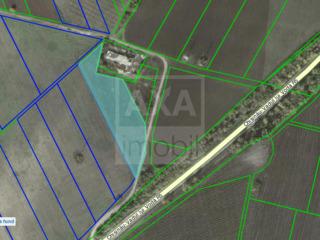 Teren pentru construcție poziționat în apropiere de traseul Chișinău-Vadul lui Vodă!