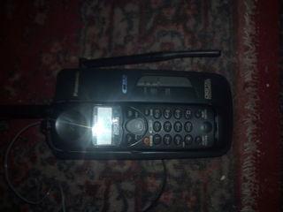 Куплю телефон домашниии сразу говорю нежна только трупка как на фото марка ранасоник KC-TC 1730