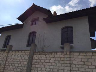 Ciorescu, casa superba, stil european!