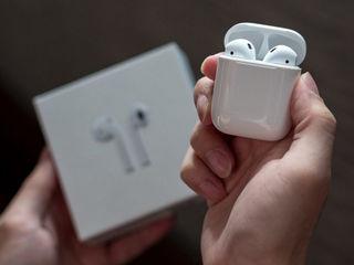 Apple AirPods Wireless Bluetooth Earphones căști accesibile fiecărui!