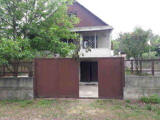 Se vinde casa linga Chisinau,la ultima statie a rutierei nr.171