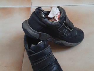 Кроссовки  р 26  б у 100 л ботинки  р 19 нов 200 л