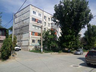 Продаем 2х комнатную квартиру в центре Комрата