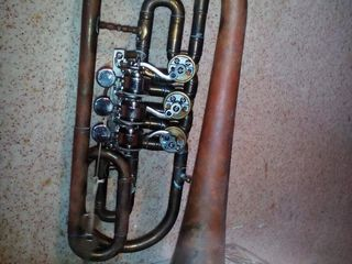 Vind 2 cornete in linia b fabricate in 1983, starea noi in cutii originale