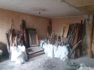Демонтаж плитки, штукатурки, обоев, штробы с пылесосом под электропроводку.