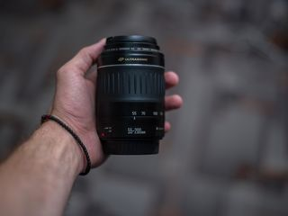 Canon 55-200 mm f:1/4.5-5.6 USM