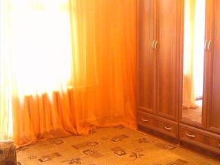 Se dă în chirie, pe lungă durată, apartament cu o cameră sectorul Rîșcani Chișinău