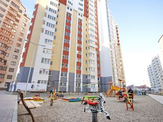 Bloc nou, apartament cu 2 camere, 70 mp, 32900 € vederea spre parc, Ciocana! urgent!