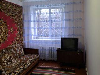 2 комнатная на Борисовке в хорошем жилом состоянии.