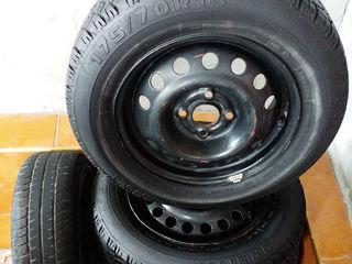 Новые летние шины с диском и балансировочные