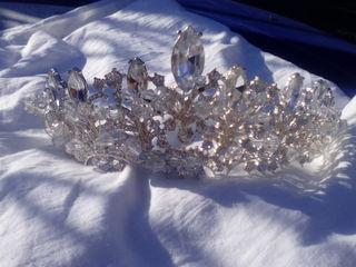 Vind coroana pentru mireasa sau dau in chirie. Lucru manual