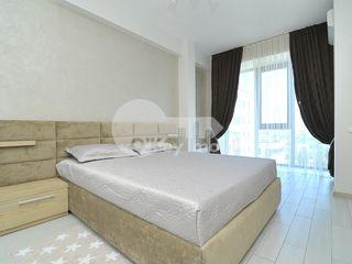 Apartament cu 2 camere, reparație euro, Centru, 450 € !
