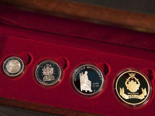 Set de patru monede comemorative 650 ani de la întemeierea statului moldovenesc