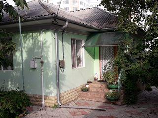 Продается дом в центре Ставчен.Срочно!! По хорошей цене.!!!