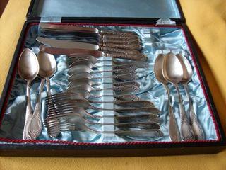 cumpar set de linguri si furculiti de argint dau pret bun