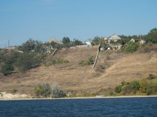 Великолепный участок на берегу Днестра, 27 соток, первая линия