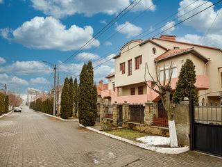 Casa Duplex, locatie exclusiva, in apropiere de Hotelul Villa Verde