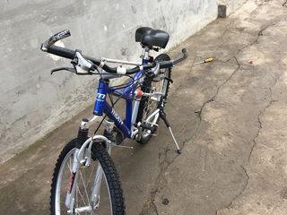 Bicicleta Motiv in stare bună adus din America aliuminiu