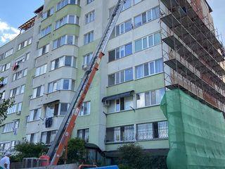 Ridicam materiale de construcție lift mobil