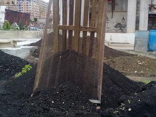 Сетка для просеивания песка или грунта.