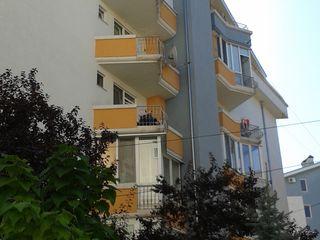 Apartament cu 3 camere, bloc nou, Centru ideal
