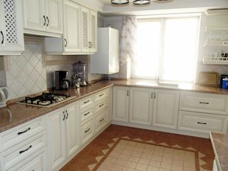 Centru, 3 odai in casa noua , incalzire autonoma  490 euro, Ismail cu Cantemira