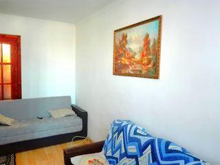 1-комнатная меблированая кв-ра с автономным отоплением в Яловень по ул. P.Stefanuca. Цена:16900евро