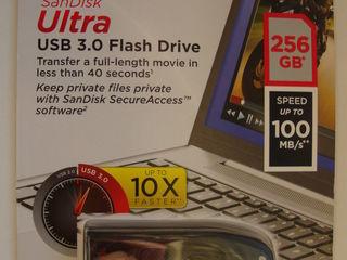 USB flash Sandisk Ultra 256 GB, 100 Mb/s, USB 3,0, NOU sigilat. Pret: 750 lei