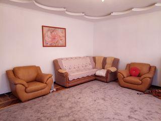 Ap. 3-cam. 130m/p, in casa privata, buiucani, 69000е (+cadou: teren 4.5 ari)