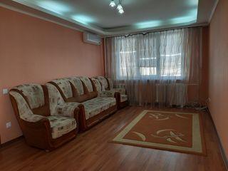Se vinde apartament cu 3 camere separate, bd. C. Negruzzi, sect. Centru!