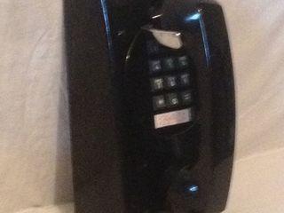 Настенный, настольный, телефоны.