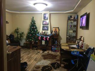 Vind casa in centrul Chisinaului