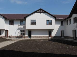 Townhouse 2 nivele. 4 dormitoare+salon. Terasa cu reparatie