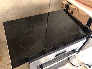 Индукционная плита Siemens  80cm.