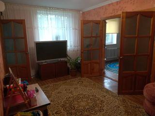 Продаётся 3-комнатная квартира по улице Ломоносова 43