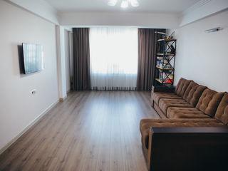 Apartament cu 3 odai in bloc nou centru de la proprietar