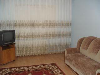 Dau in chirie apartament mobilat cu reparatie in Balti.