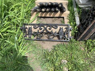 Продам уникальную оградку для памятника из чугуна