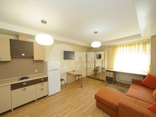 Apartament tip studiou în Centru,str. Colina Pușkin, 250€ !