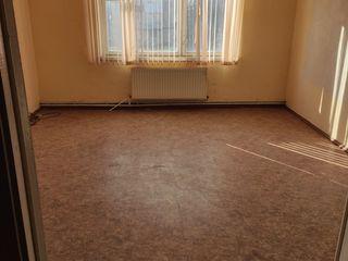 3-ёх комнатная квартира в Кагуле без ремонта-31000€ ( без торга )