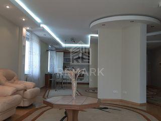 Chirie  Apartament cu 3 odăi, Centru,  str. Zaikin, 500 €