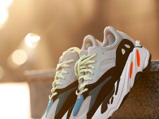 Adidas Yeezy Boost 700 Unisex