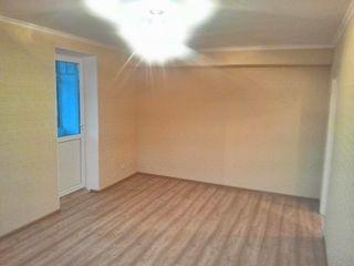Vind apartament Ciorescu