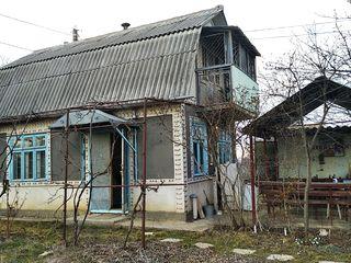 """Дачный участок с жилым домом на 18 соток. В 2 км. от Бельц, СОТ """"Мебельщик""""."""