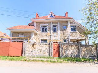 Vânzare casă 480 mp 20 ari Vadul lui Vodă 179900 €